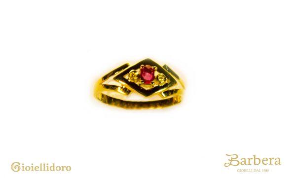 anello vintage con rubino